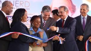 Medina inaugura 11 escuelas