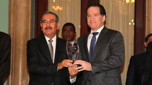 Medina recibe reconocimiento