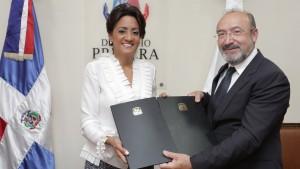 primera dama firma acuerdo