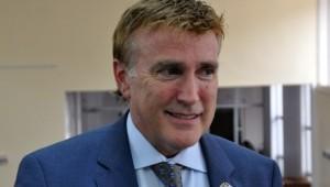 James W. Brewster reitera corrupción en Rd