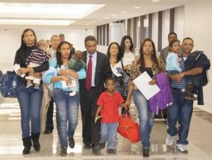 Félix Bautista lleva niños a Colombia
