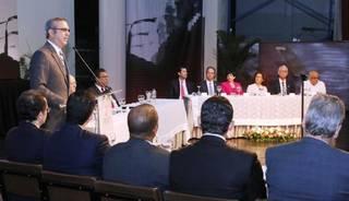 Abinader expone propuestas