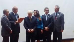 Reconocen al doctor Rubén Andújar Pimentel