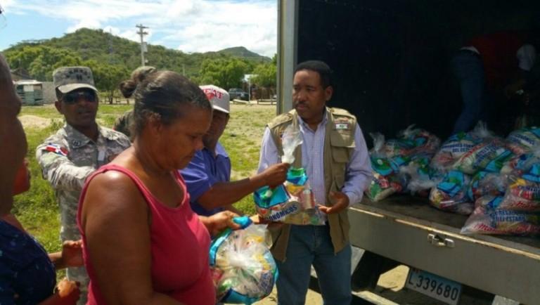 Gobierno entrega alimentos