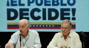 Expresidentes piden