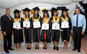 Navarro con estudiantes sobresalientes SC