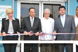Inaugura farmacia en Los Girasoles