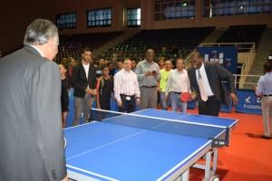 Equipos avanzan en tenis de mesa