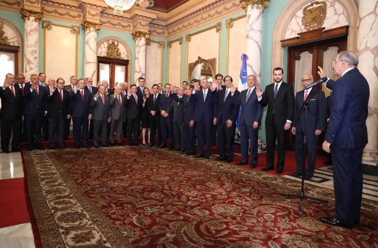 Medina juramenta Consejo Competitividad