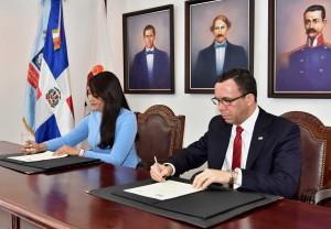 Firman acuerdo