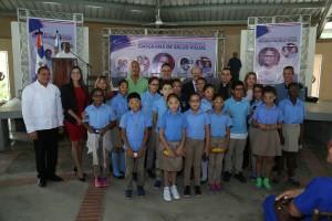 Inabie y Fundación entregan lentes