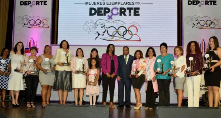 Distinguen mujeres del deporte