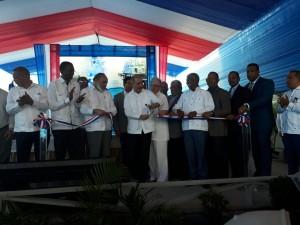 Medina ianaugura Centro Diagnóstico en Neyba