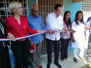 Promese inagura farmacia en Guayajayuco