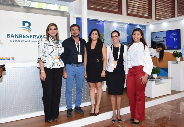 Banreservas presenta portafolio de respaldo turismo