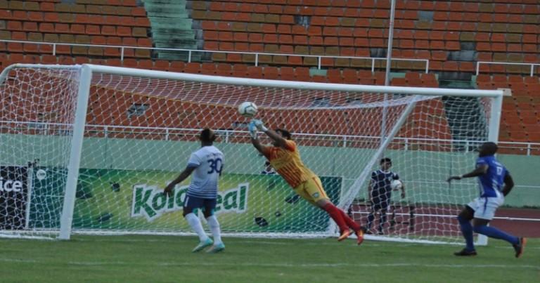 Equipos de la Universidad O&M y Atlántico FC
