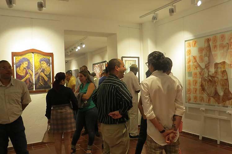 Exposición artistas cubanos y dominicanos