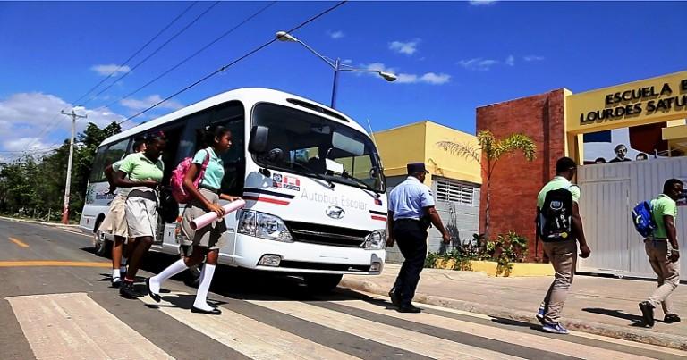 Educación entrega autobuses
