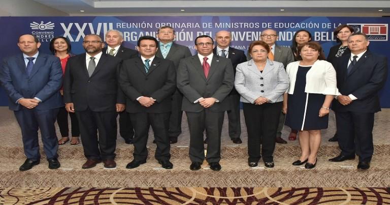 Navarro preside reunión ministros