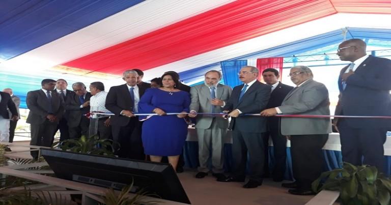 Medina inaugura centro en SDE