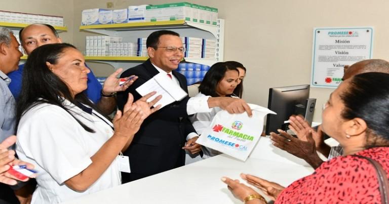 Promes inaugura farmacia en Monte Llano