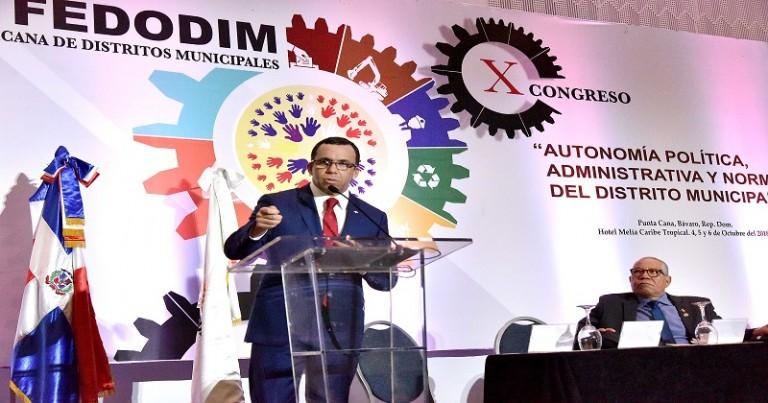 Navarro plantea crear confederación de gobiernos locales