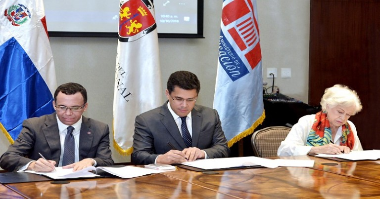 Navarro y Collado firman acuerdo educación cívica