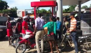Escacez de combustible en Haití