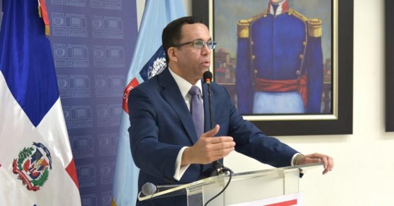 Navarro dice que la transformación institucional no puede esperar