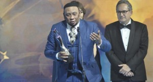 Anthony Santos recibe el Gran Soberano