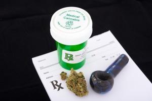 Gobernador Florida promulga ley que permite la marihuana medicinal fumable
