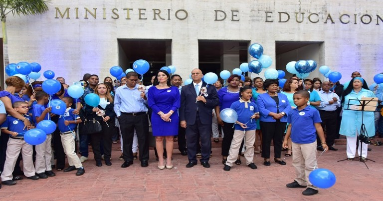 Educación desarrolla programas inclusión personas especiales