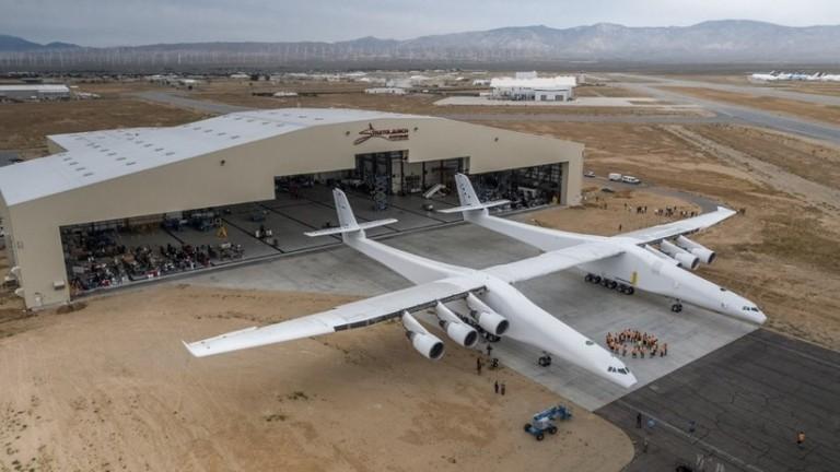 el Stratolaunch, el avión más grande del mundo