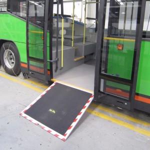 Autobus con rampa