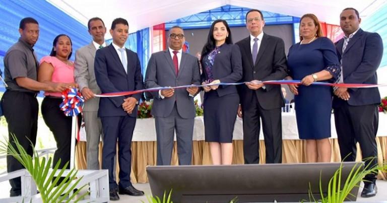 Minerd inaugura estancia infantil en MP