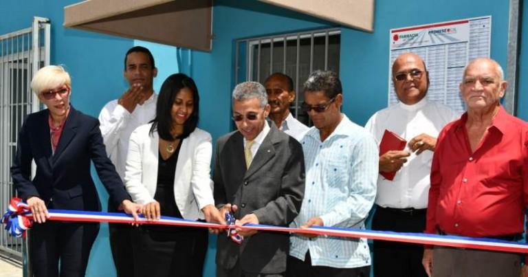 Promese inaugura farmacia en el 30 de Mayo