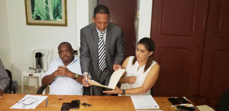 Graciano Jiménez inscribe precandidatura a alcalde DN