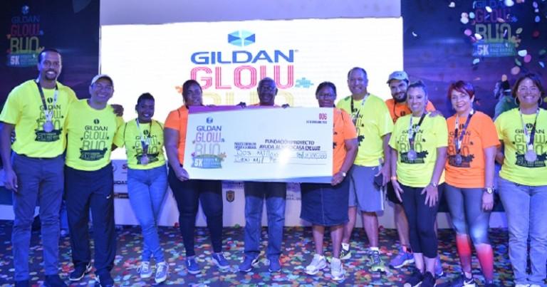Gildan dona 2.1 MM a Fundación