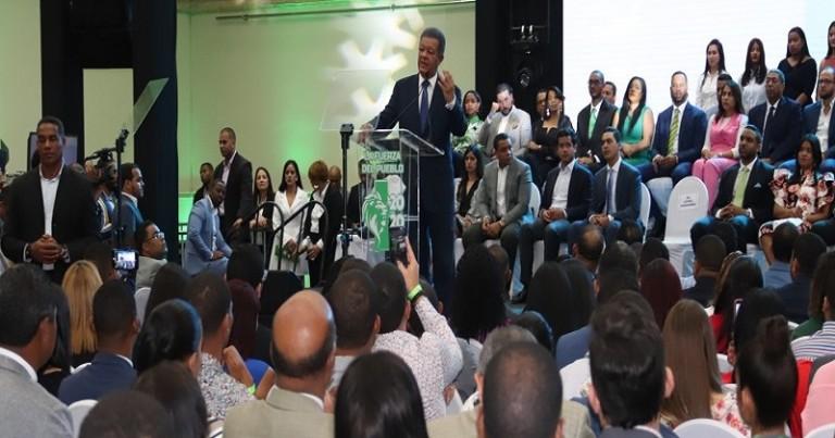Leonel en acto Secretaría Juventud FP