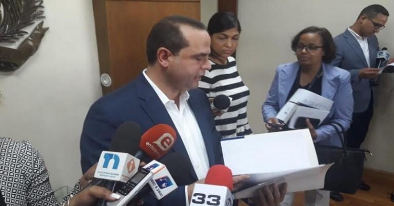 FP pide a la JCE numeros seriales de Kits votación
