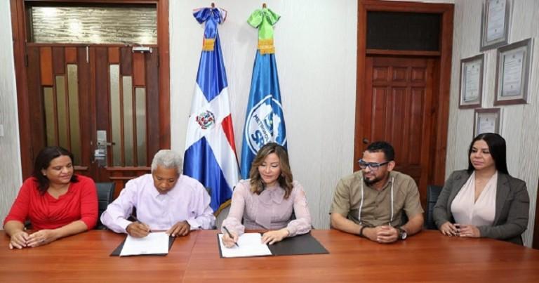 SRMS y Junta Vecinos Jesús Nazaret firman acuerdo