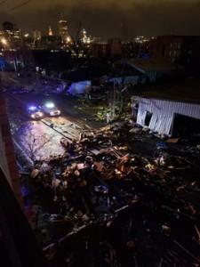 Tornado deja 7 muertos en EEUU