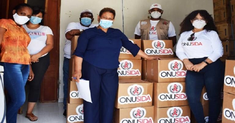 Onusida RD entrega alimentos a personas con VIH