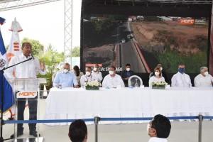 Abinder inaugura varias obras en el Cibao