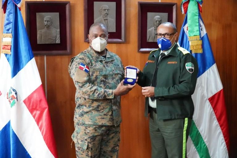 Director Digesett visita comadante general del EN
