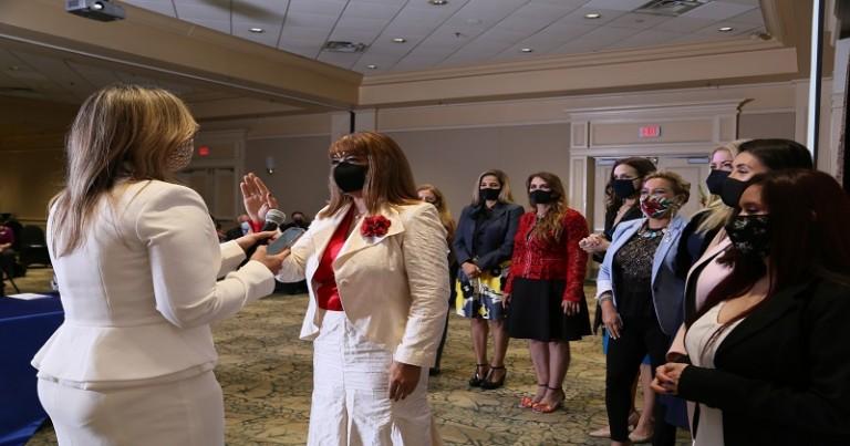 Dominicana preside Asciación de Mujeres Empresarias en Orlando