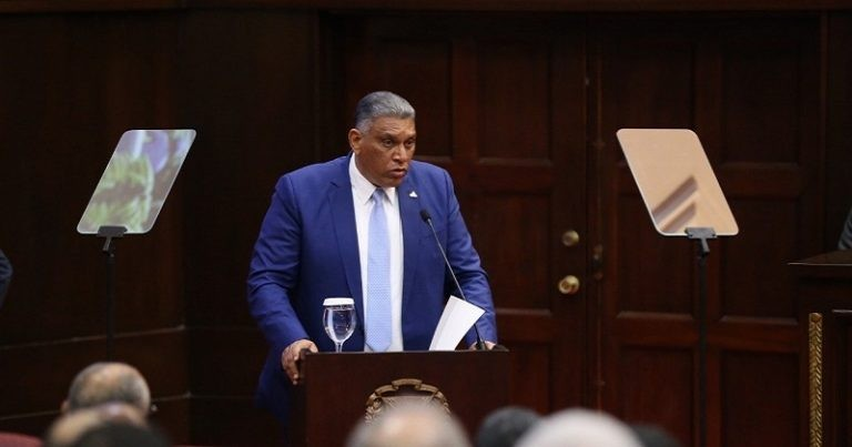 Jesús Vásquez Martínez presenta Plan de Seguridad Ciudadana en la CD