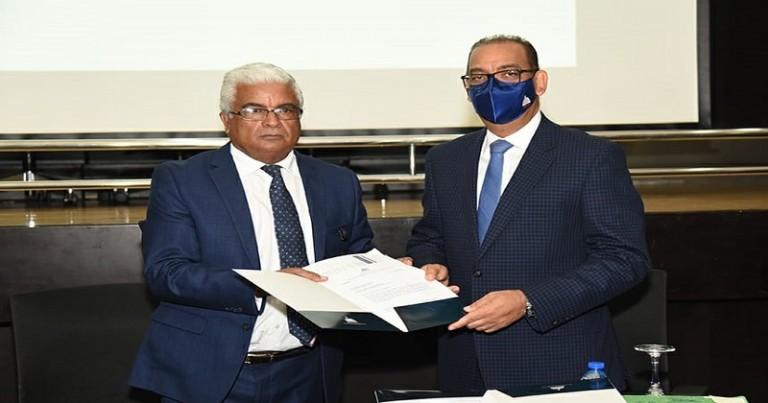 Ministro Obras Públicas recibe proyectos de la OISOE