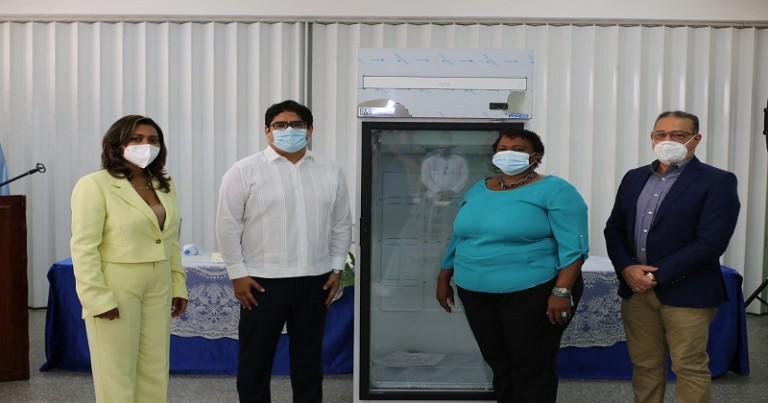 Inabie y Fao entregan frizer para conservar alimentos
